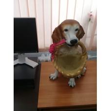 """Садовые фигура полистоун """"Собака с корзинкой"""" 60 см"""